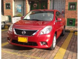 Vendo Nissan Versa Advance