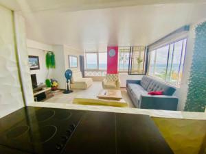 Apartamento frente mar con piscina commodore Bay club